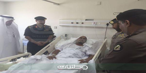 مُديرشرطة #مكة يزور الرقيب اول الزهراني عقب تعرضه لحادث دهس اثناء عمله