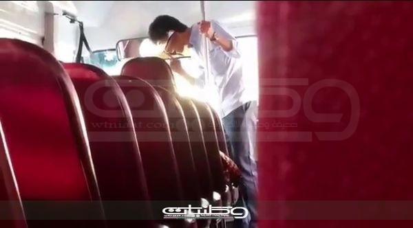 القبض على عشريني تهجم على سائق حافله بـ #الجبيل