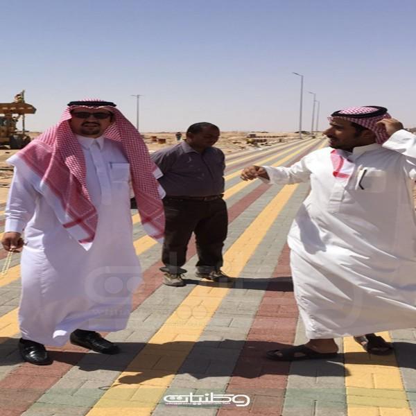 ابن سعيدان يتفقد منتزه حي النزهة وملعب كرة القدم بحفر الباطن