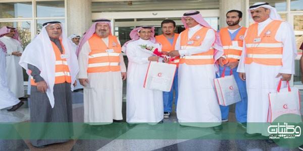 مستشفى الأمير مشاري ببلجرشي يُشارك الهلال الأحمر فعاليات اليوم العالمي للتطوع