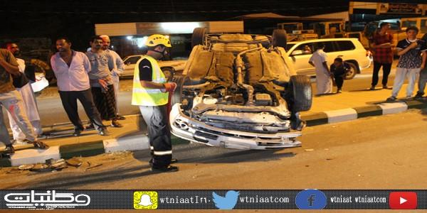 نجاة قائد مركبة انقلبت وسط الشارع العام بثلوث المنظر