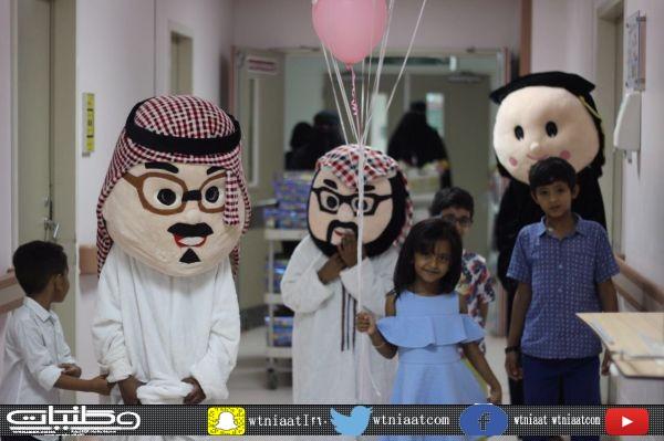 نسائي أصدقاء المرضى بـ #عنيزة هنأ المنومات بمستشفى الملك سعود بعيد الفطر