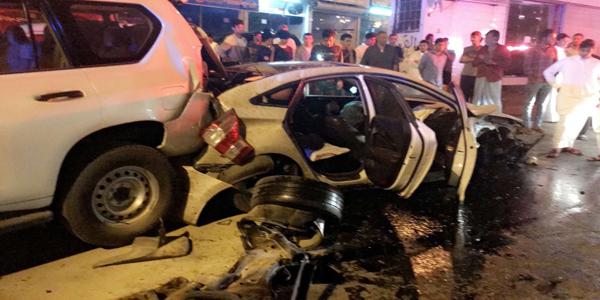 هلال #مكة تصادم بطريق وادي وج يُخلف (4) إصابات وفرق الهلال الأحمر تُباشر الحادث