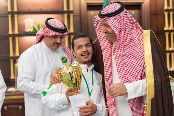 سمو أمير الباحة يستقبل رئيس ولاعبي نادي الباحة لذوي الاحتياجات الخاصة