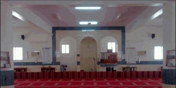 جماعة جامع آل وافي وسط الأثنين بقُرى الغيناء جامعنا أكثر من ثلاثة أعوام دون إمام وخطيب