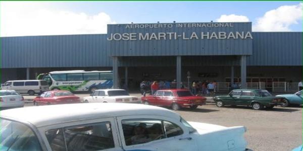 السلطات الكوبية تعلن عن تحطم طائرة ركب اثناء اقلاعها من مطار هافانا