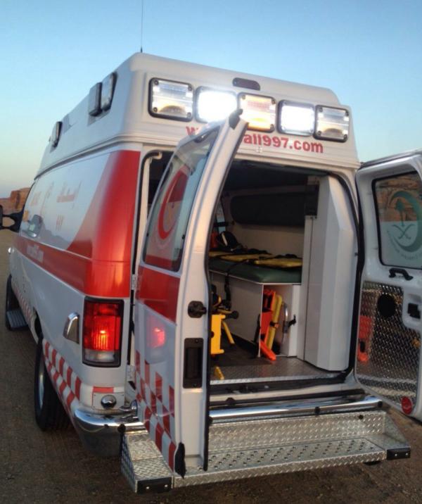الهلال الأحمر السعودي بالباحة يباشر حالة دهس لطفل يبلغ من العمر ١٣ سنة ونقله لمستشفى الملك فهد لتلقي العلاج