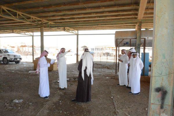 أمين الشمالية يتفقد أحياء #عرعر ويوجه بوضع خطة عاجلة لنقل سوق المواشي