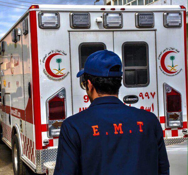 هلال الرياض يباشر حادث تصادم وينقذ 30 مصاباً
