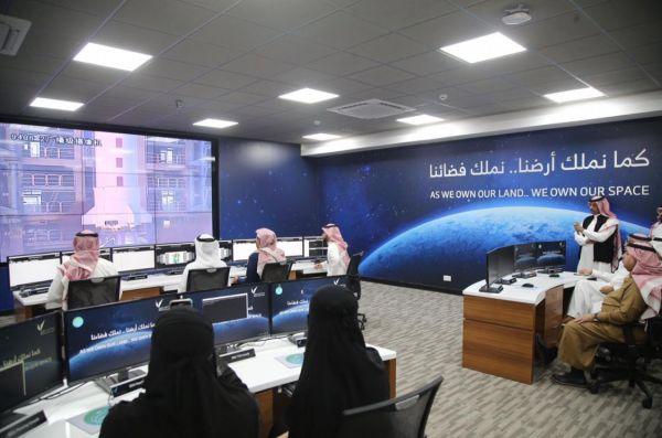 بتصميم وتنفيذ سعودي إنطلاقا صباح اليوم قمرين صناعيين (عرب سات5 وسات5ب