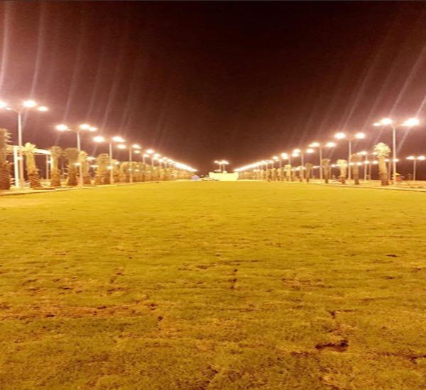 شاهد بلدية #بارق تُطلق التيار الكهربائي بحديقة خبت آل حجري
