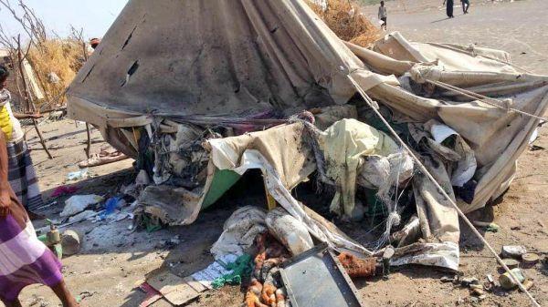 مركز الملك سلمان للإغاثة يدين الهجوم الذي تعرض له النازحين في مخيم بني جابر بمديرية الخوخة
