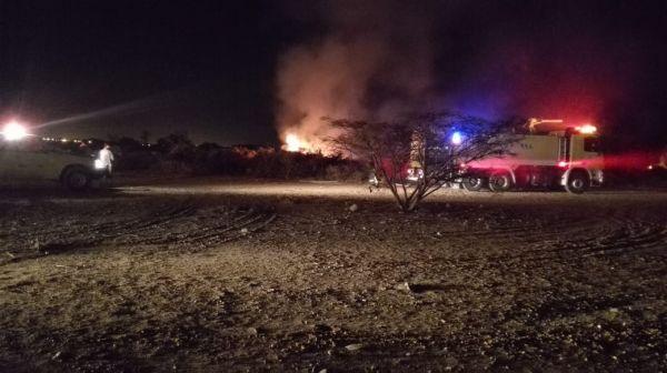مدني #بارق وبالتعاوم مع بلدية المحافظة يخمد حرق بخبت آل حجري