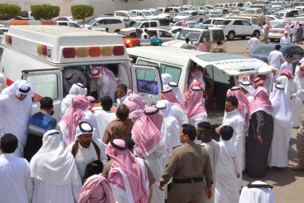 جموع المصلين بمركز بحر أبو سكينه تشيع شهيدي الواجب عسيري والربعي