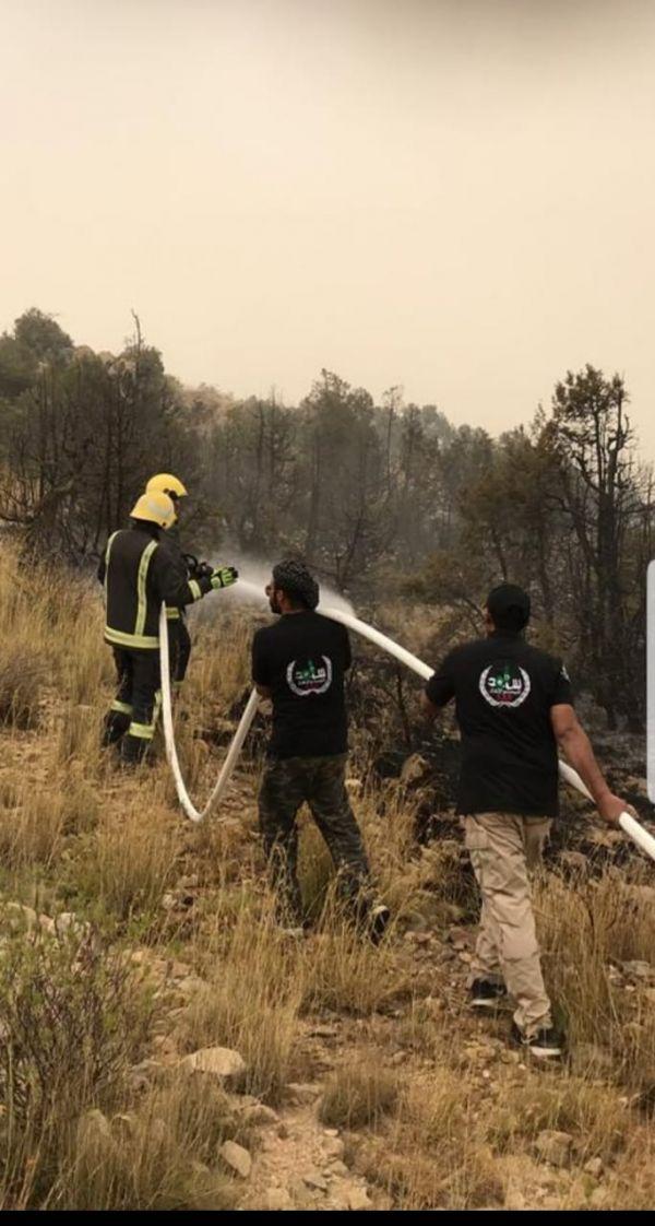 مدني النماص يسيطر على حريق بجبل الرحمة شمال المحافظة