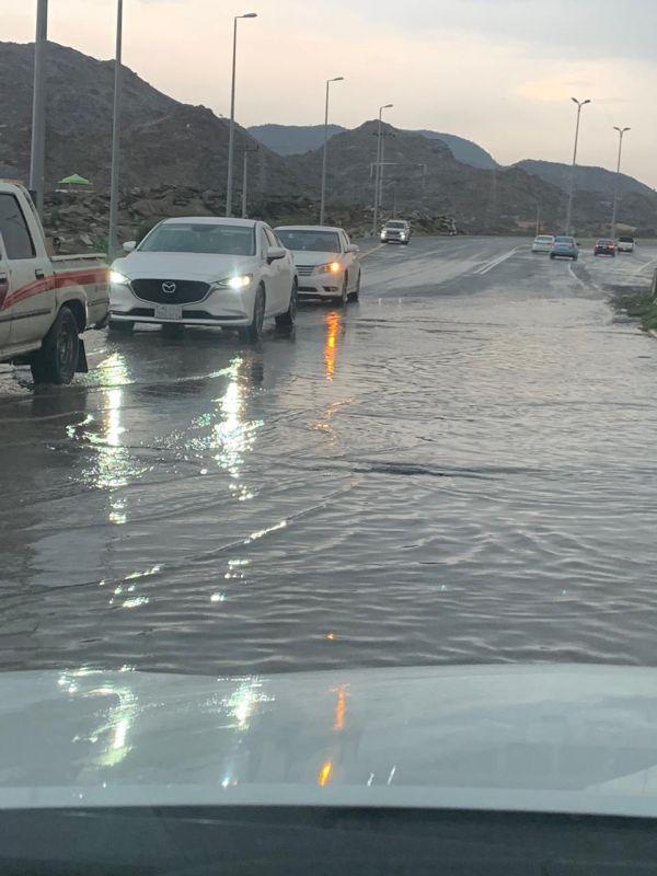 """#بارق: بالصور- تجمعات المياه تهدد سلامة كبرى """"وادي الخير"""""""