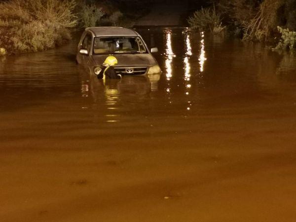 احتجازات واخلاء 10 اشخاص نتيجة هطول الامطار بمركز بحر ابو سكينه