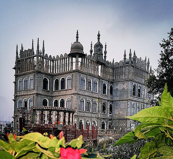 قصر المقر ..حضارات العالم تجتمع على قمة جبل #النماص