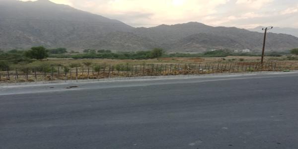 بالصور طريق #مجاردة ثلوث المنظر تأخر في التنفيذ ومصادات خرسانية تُنذر بالخطر