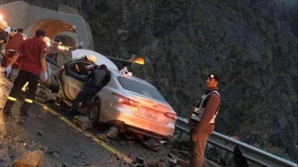 وفاة قائد مركبة إثر سقوط صخور على مركبته بعقبة الملك فهد في الباحة