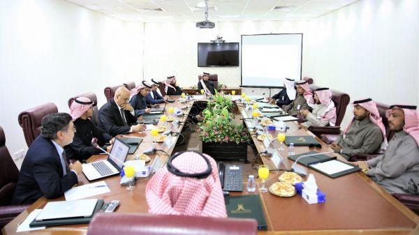 #جامعة_الحدود_الشمالية تعقد لقاءً مع عددٍ من مدراء القطاعات الحكومية بالمنطقة