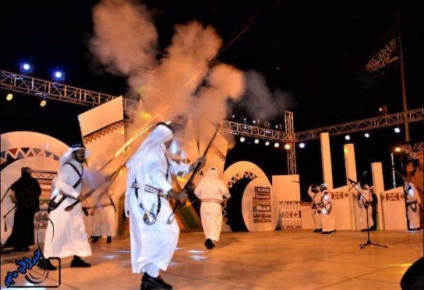 فرقة بيارق رجال الحجر تُنظم أمسية ثقافية بمهرجان محايل الشتوي