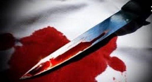 مواطن يقتل زوجته طعناً أمام منزلهما في #عسير