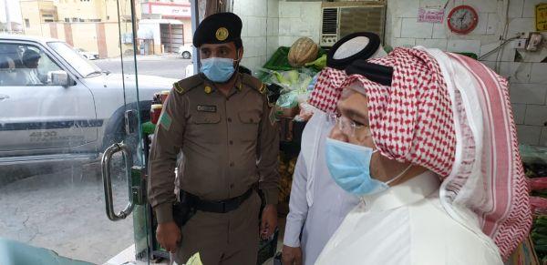 محافظ #المجاردة يقف على الإجراءات الوقاىية بمركز خاط