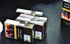 """في #عسير : انقطاع """"الدخان """" يدفع ببقالات الأحياء في تُهامة إلى رفع سعره ثلاثة أضعاف"""