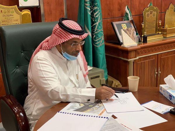 رئيس #بلدية_بارق يعتمد دراسة إنشاء دوار وسط المحافظة