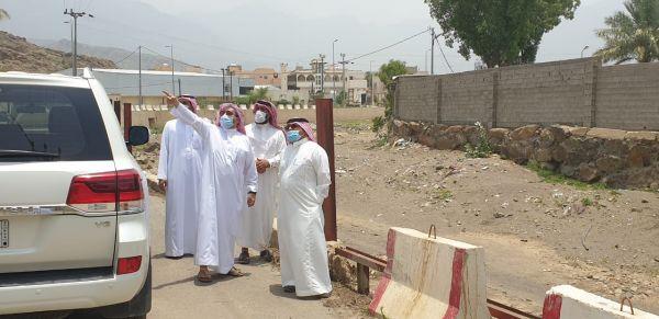 محافظ #المجاردة يقف على عدد من مشاريع البلدية