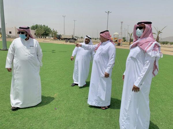 رئيس #بلدية_بارق المكلف يقف على أعمال تهيئة حديقة خبت آل حجري