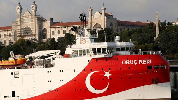 تصاعد الخلاف بين اليونان وتركيا واصطدام سفينتين حربيتين في شرق المتوسط