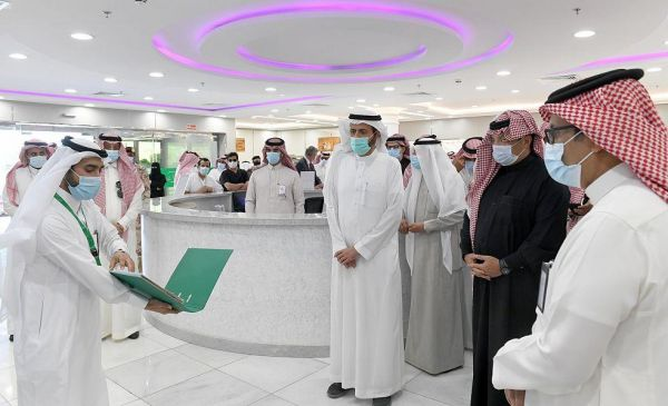 سمو أمير عسير وبحضور معالي وزير الصحة يتفقد بيئة العمل بمستشفى أحد رفيدة العام