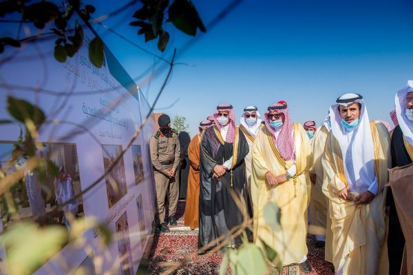 سمو أمير القصيم يضع حجر الأساس لمشروع مركز حفظ وإكثار النباتات في #البكيرية