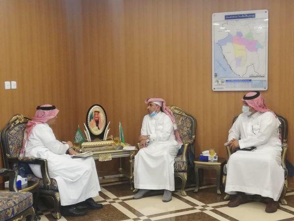 """وكيل محافظة محايل يلتقي """"العمري"""" مدير بنك التنمية الأجتماعية"""