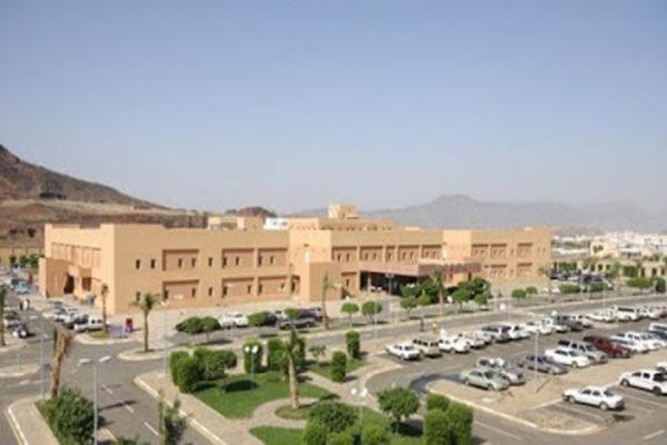 أكثر من 52 ألف مستفيد من عيادات مستشفى محايل خلال العام الماضي