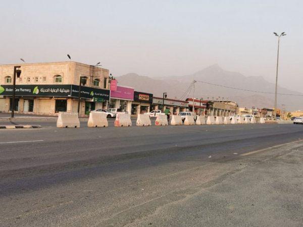 مرور بارق تُغلق تقاطع الراية ومُطالبات بإعادة فتح التقاطع ووضع إشارة ضوئية