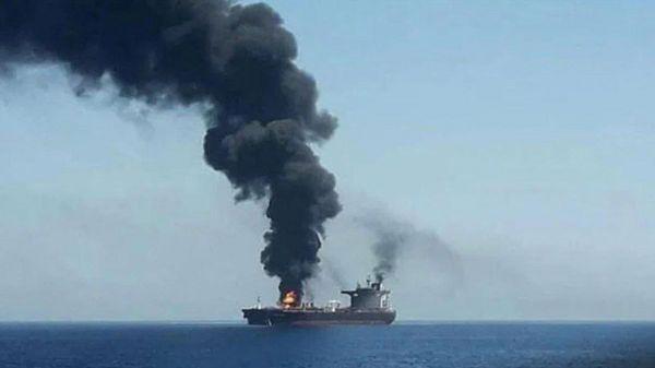 انفجار على متن سفينة في خليج عُمان