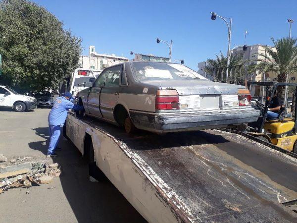 #أمانة_جده ترفع ٣٨٣ سيارة مهملة وتالفة