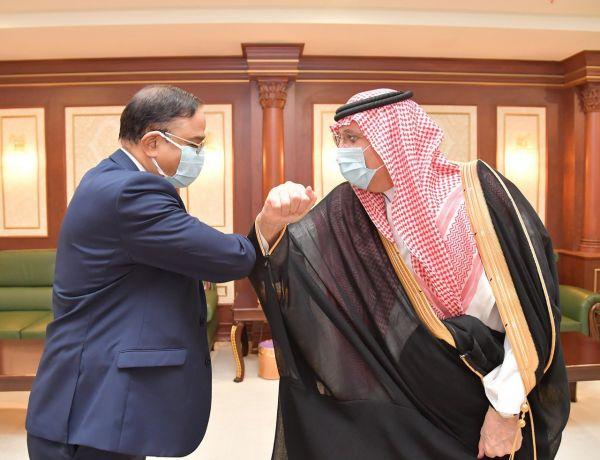 سمو أمير منطقة #جازان يستقبل سفير بنغلاديش لدى المملكة