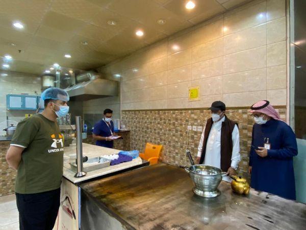 أمين عسير يفاجئ المطاعم و المقاهي بجولات تفتيشية