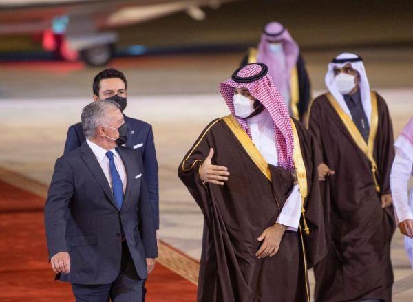 ولي العهد الأمير محمد بن سلمان يستقبل ملك الأردن لدى وصوله الرياض