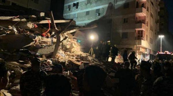 وفاة 3 وإصابة 23 آخرين في إنهيار مبنى من 10 طوابق شرق القاهرة