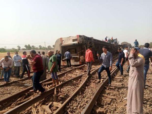 #مصر أنباء عن وفيات وأكثر من 100 إصابة في حادث انقلاب عربة قطار #القليوبية