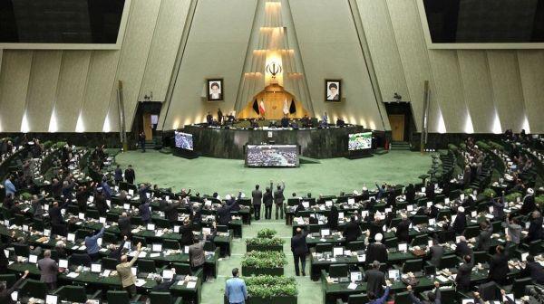 #كورونا يُعلق عمل البرلمان الإيراني لمدة اسبوعين