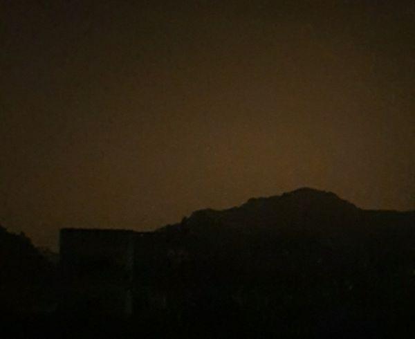 عسير : إنقطاع التيار الكهربائي يغرق قرى ثلوث المنظر في ظلام دامس