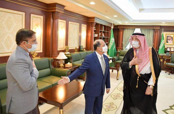 سمو أمير #جازان يستقبل السفير الهندي لدى المملكة