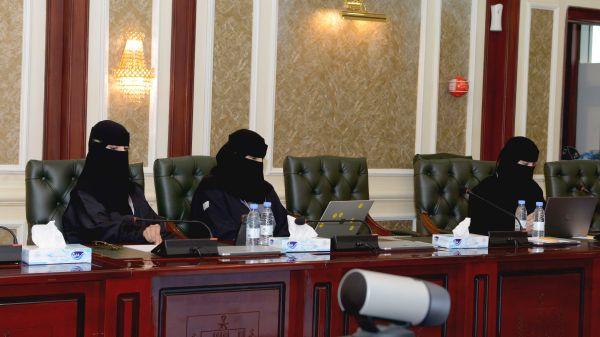 عشر جلسات وحضور من 14 دولة خلال اليوم الأول من مؤتمر الرياضيات الدولي الثاني بجامعة الملك خالد