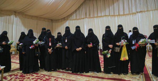 عضوات اللجنة النسائية التنموية يزورن مهرجان رمان القصيم الخامس بالشيحية